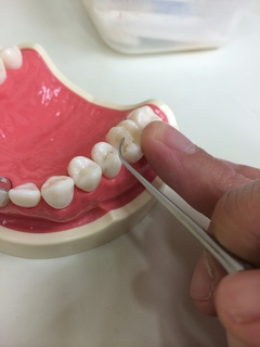象牙質に器具をあてない